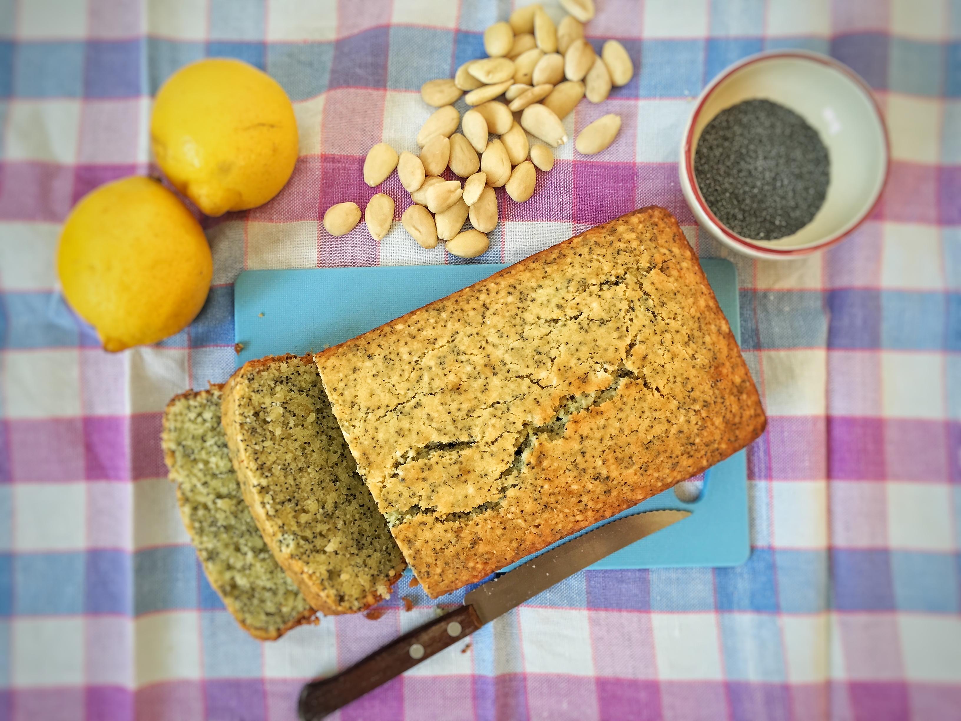 Plumcake con limone e semi di papavero