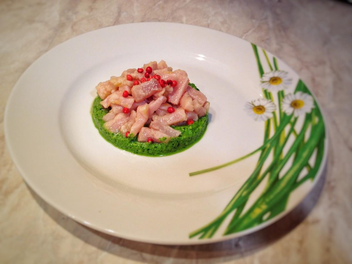 Tartare al tonno con pesto agli spinaci