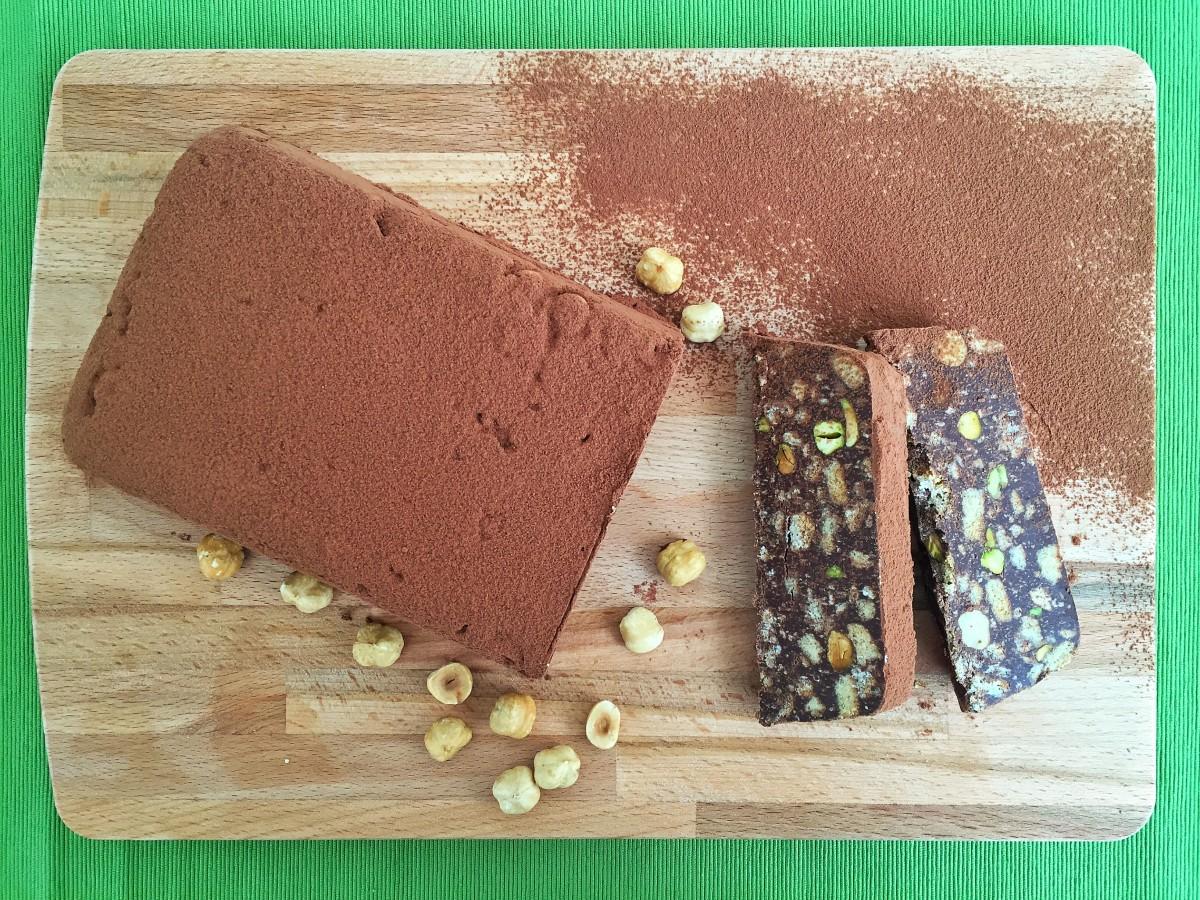 Mattonella di cioccolato, pistacchi e nocciole