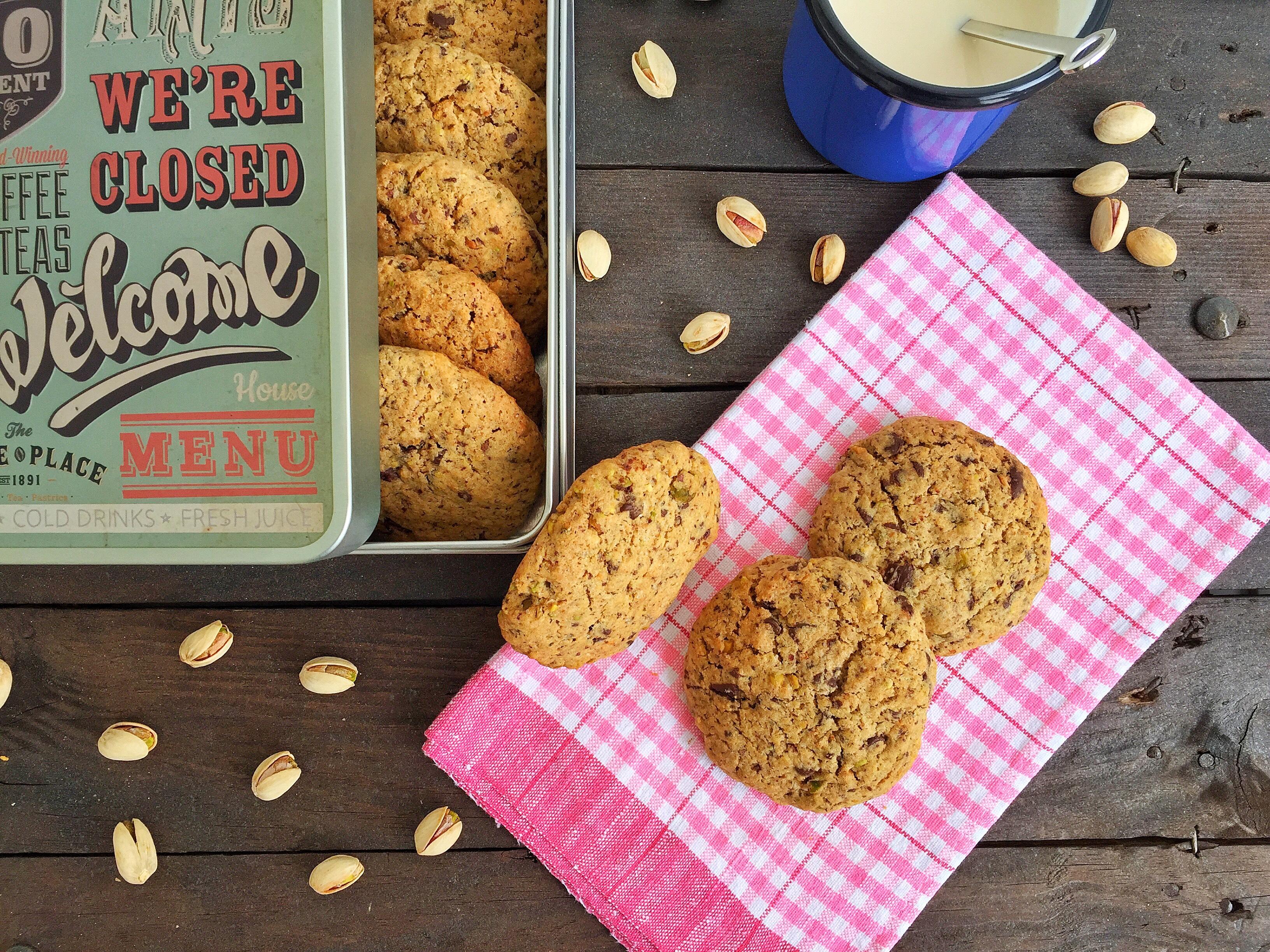 Cookies ai pistacchi salati e cioccolato