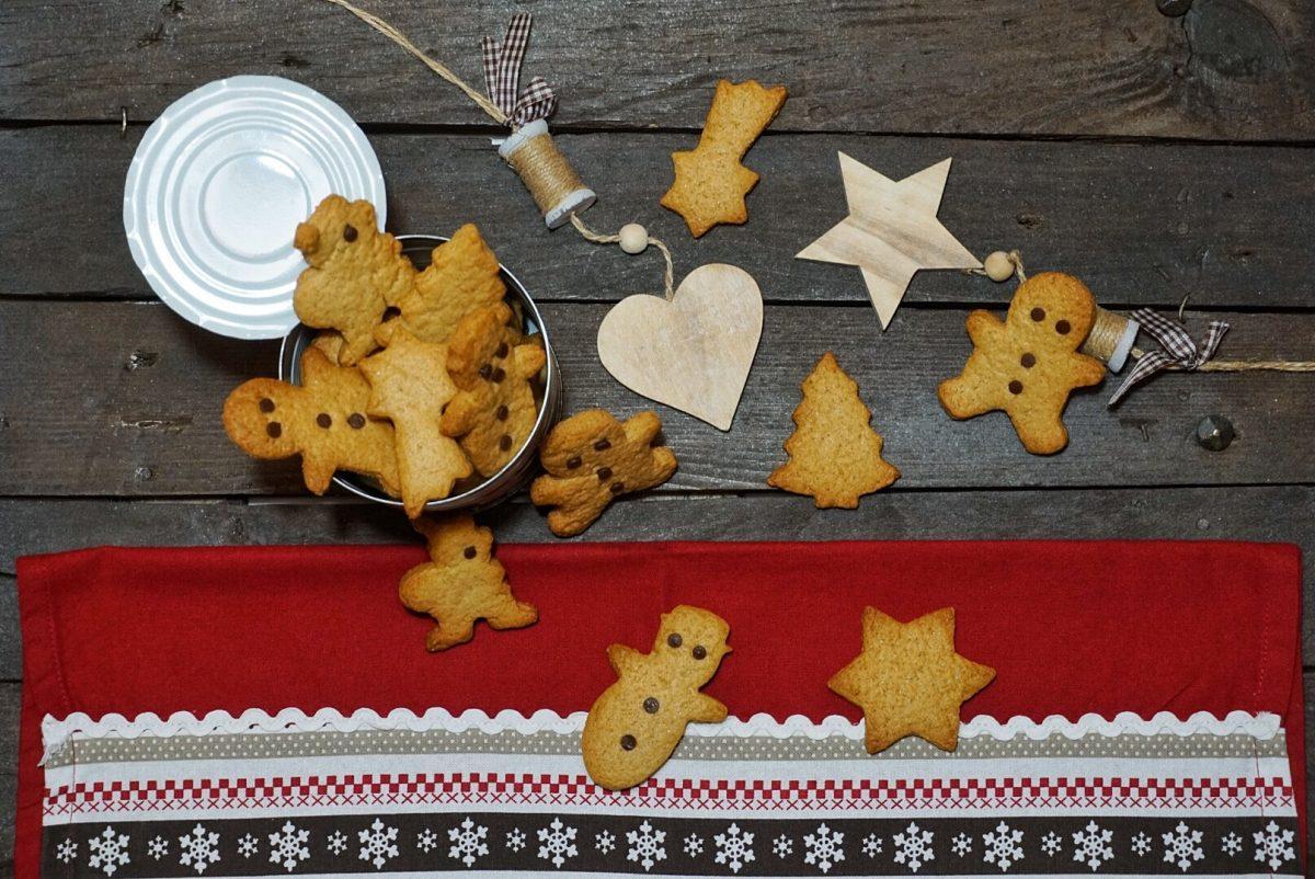 Biscotti di Natale al profumo di cannella