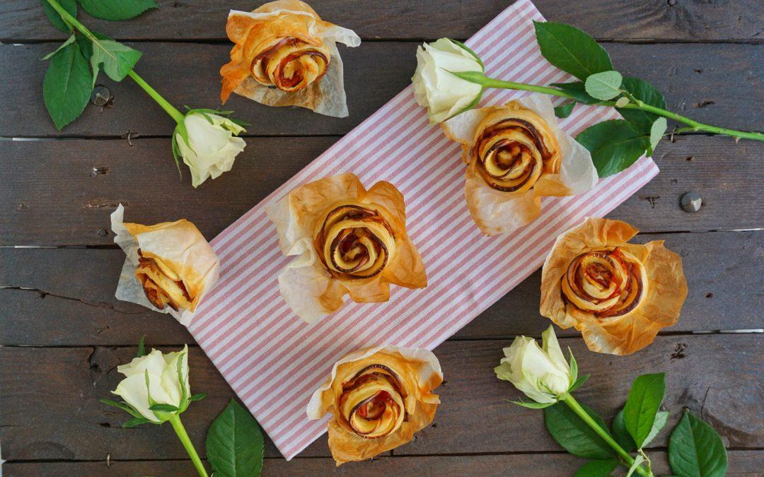 Rose di pastasfoglia con mele e speck