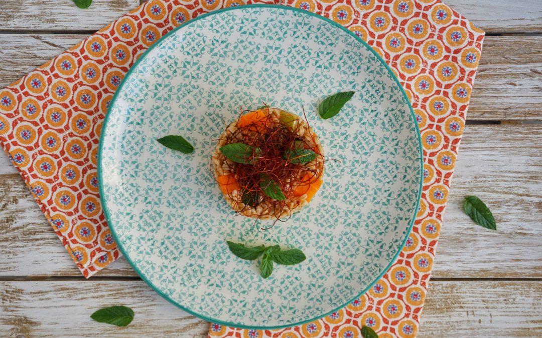 Farro perlato con zucchine, carote e menta