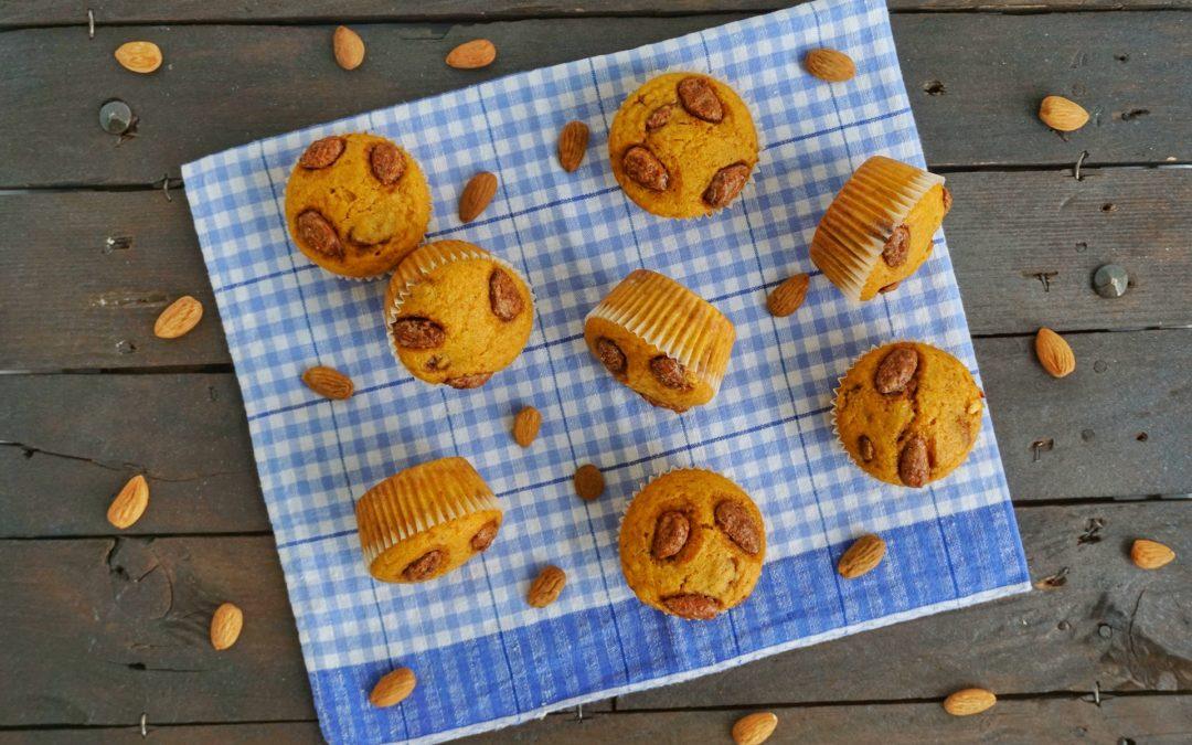 Muffin di zucca con mandorle caramellate