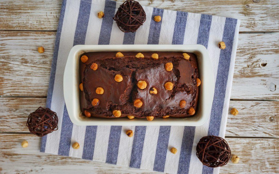 Plumcake con cioccolato fondente e nocciole